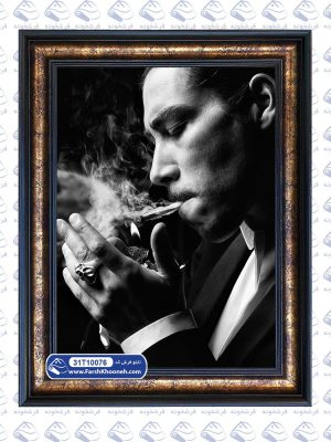 تابلو فرش پرتره طرح مرد سیگاری
